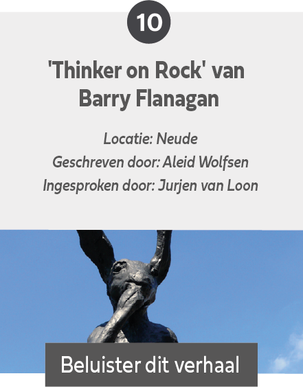 Thinker on Rock van Barry Flanagan